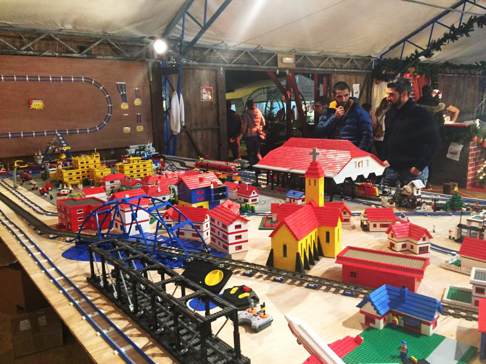 Lego Weihnachtsmarkt.Weihnachtsmarkt Mercadillo De Navidad Santa Ponsa